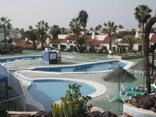 Superb Villa with Pools, bar, restaurant on site