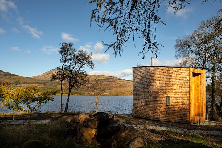 Stunning lochside cabin on Loch Venachar - Birch