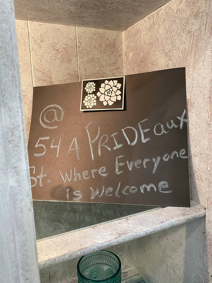 Romantic Shabby Sheek Shack Downtown, Old City