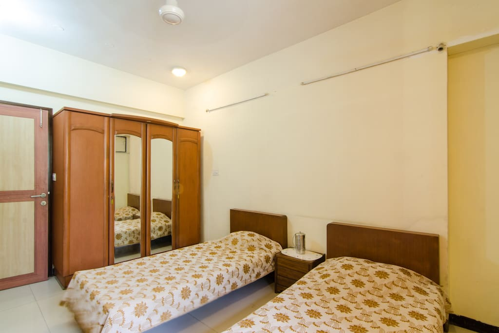 Chembur Bungalow 1st Floor 2nd Bedroom 2nd Guest