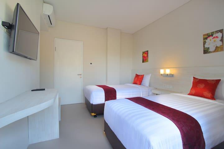 Chic quiet room in central Canggu - North Kuta - Bed & Breakfast