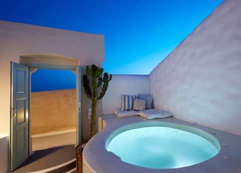 Deluxe Two Bedroom Villa with private Jacuzzi