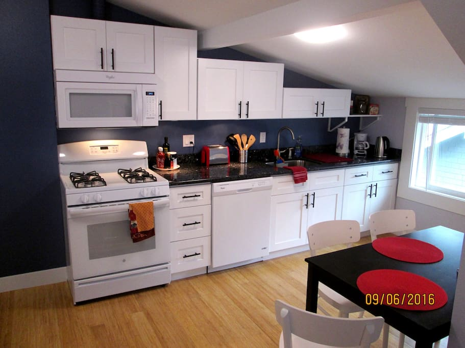 Sparkle kitchen with new appliances