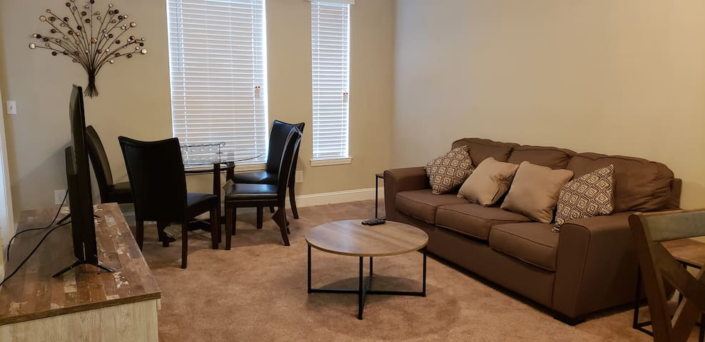 Fully Furnished Corporate 2 Bed 2 Bath Apartment