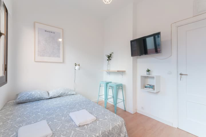 -Studio City Centre-Atocha-WiFi, A/C, SmartTV