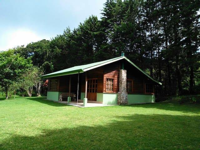 Pie de Monte Cabins