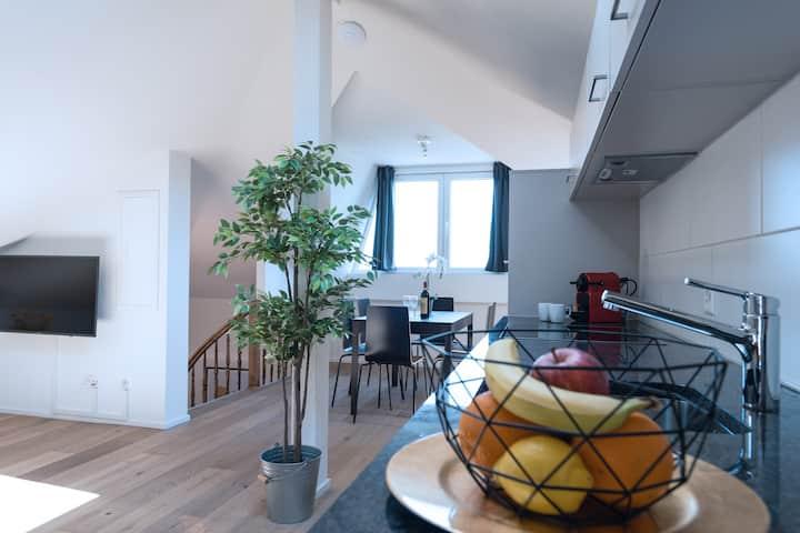 ZH Peach III - HITrental Wiedikon Apartments