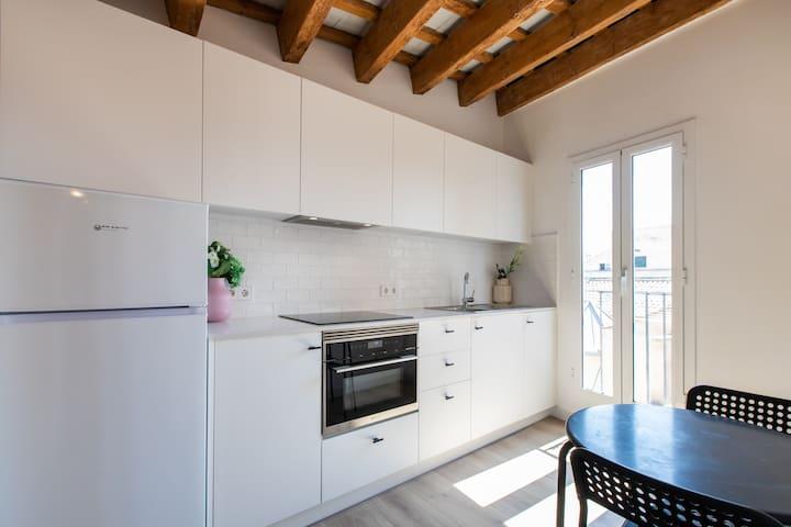 Apartamento con habitación doble y sofá cama