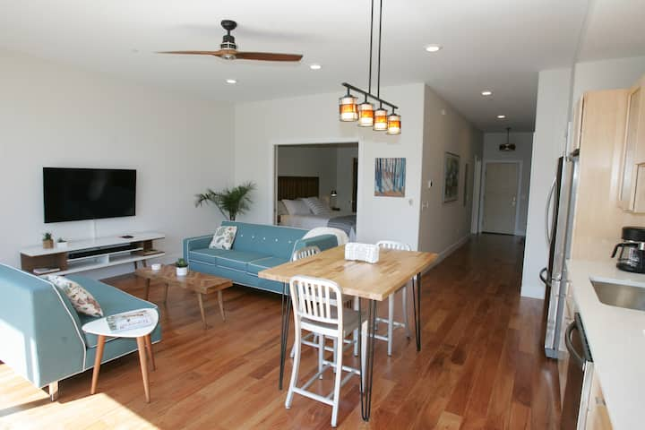 Beautiful One Bedroom Condo at The Village