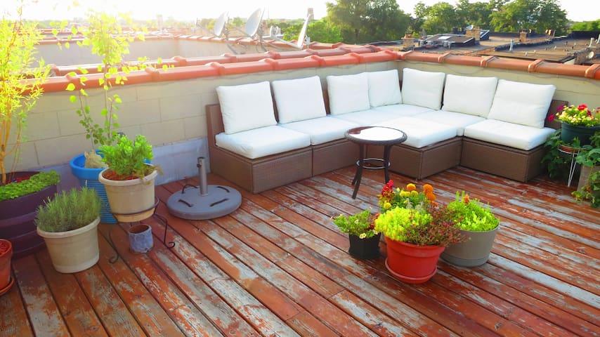 Serene Humboldt Getaway w/Roof Deck - Chicago - Kondominium