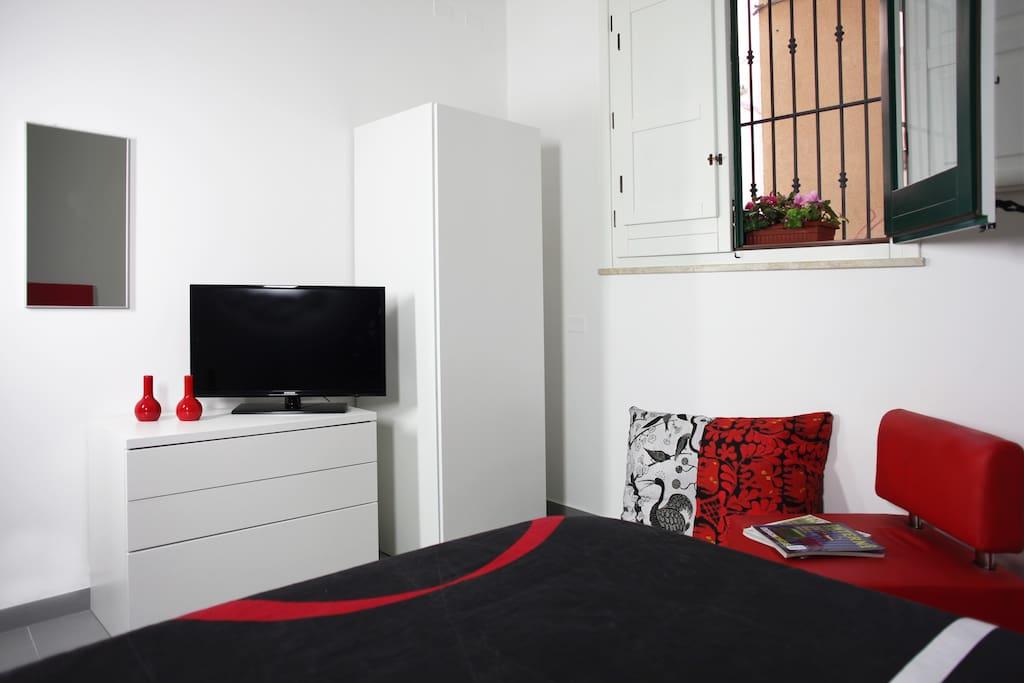 Bedroroom - queen size bed
