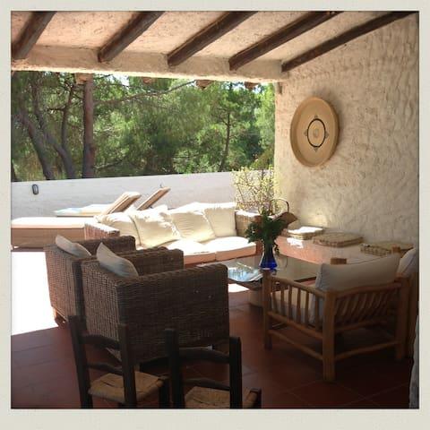 Villa Francesca - Porto Pino - Porto Pinetto - House