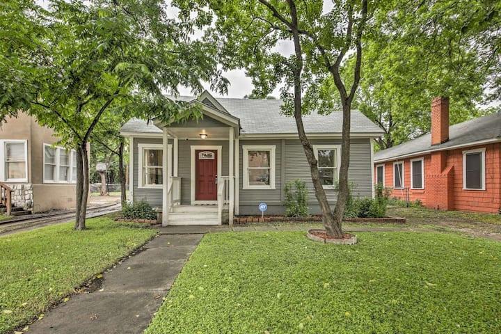 Modern San Antonio Home - 3.4 Mi. to Downtown