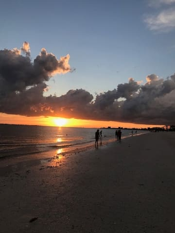 A walk on the beach on the Gulf of Mexico, Fort Myers Beach.