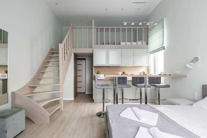двухуровневые апартаменты у моря 108