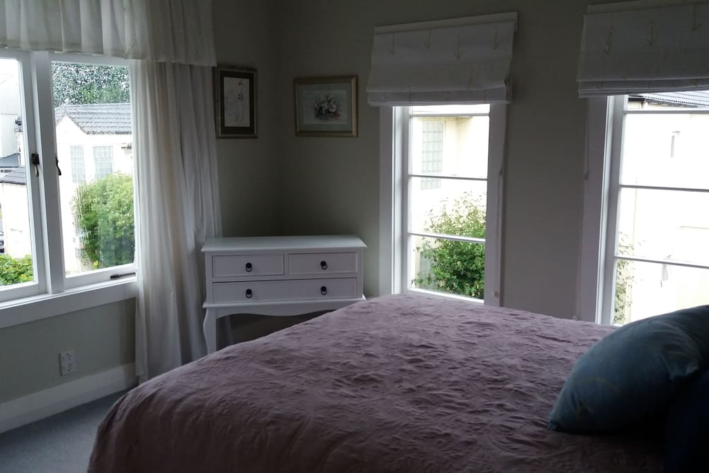 This is the Queen Bed room. Very airy.