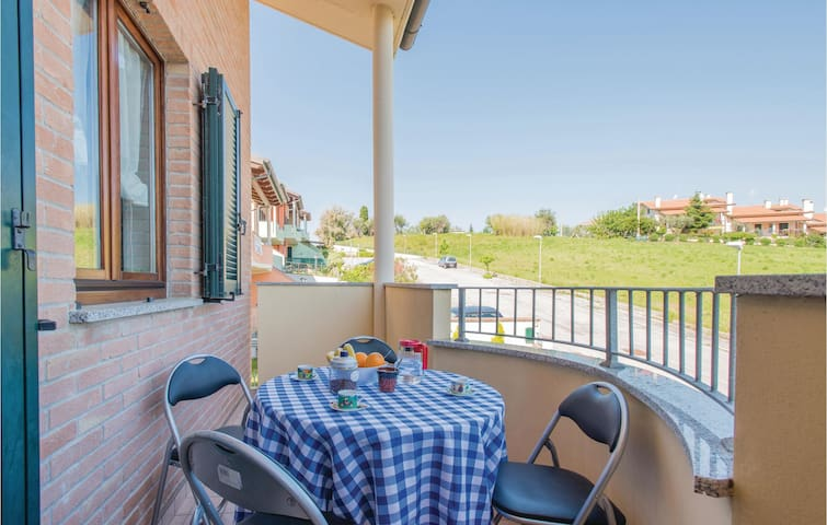 Holiday apartment with 2 bedrooms on 70m² in San Costanzo -PU-