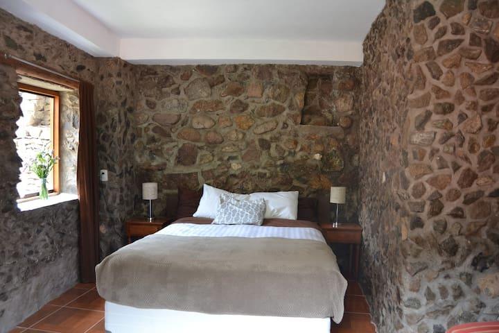 CHASKA WASI : The room made of pure stones!! - Ollantaytambo - Bed & Breakfast
