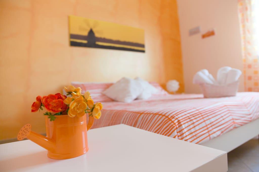 Biancosale orange vicino aeroporto tp chambres d 39 h tes for Chambre hote orange