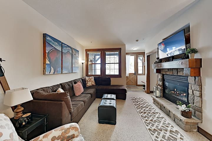 Cozy Granby Ranch Getaway w/ Fireplace & Grill