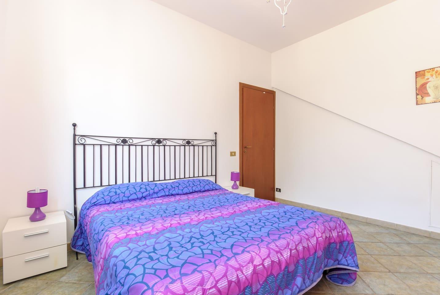 CAMERA MATRIMONIALE climatizzata con possibile terzo letto
