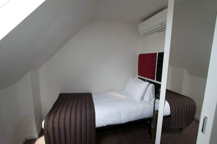 En-Suite Single Room