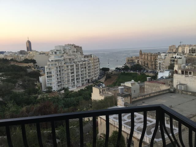2 rooms privates in fantastic flat - San Ġiljan - Appartement en résidence