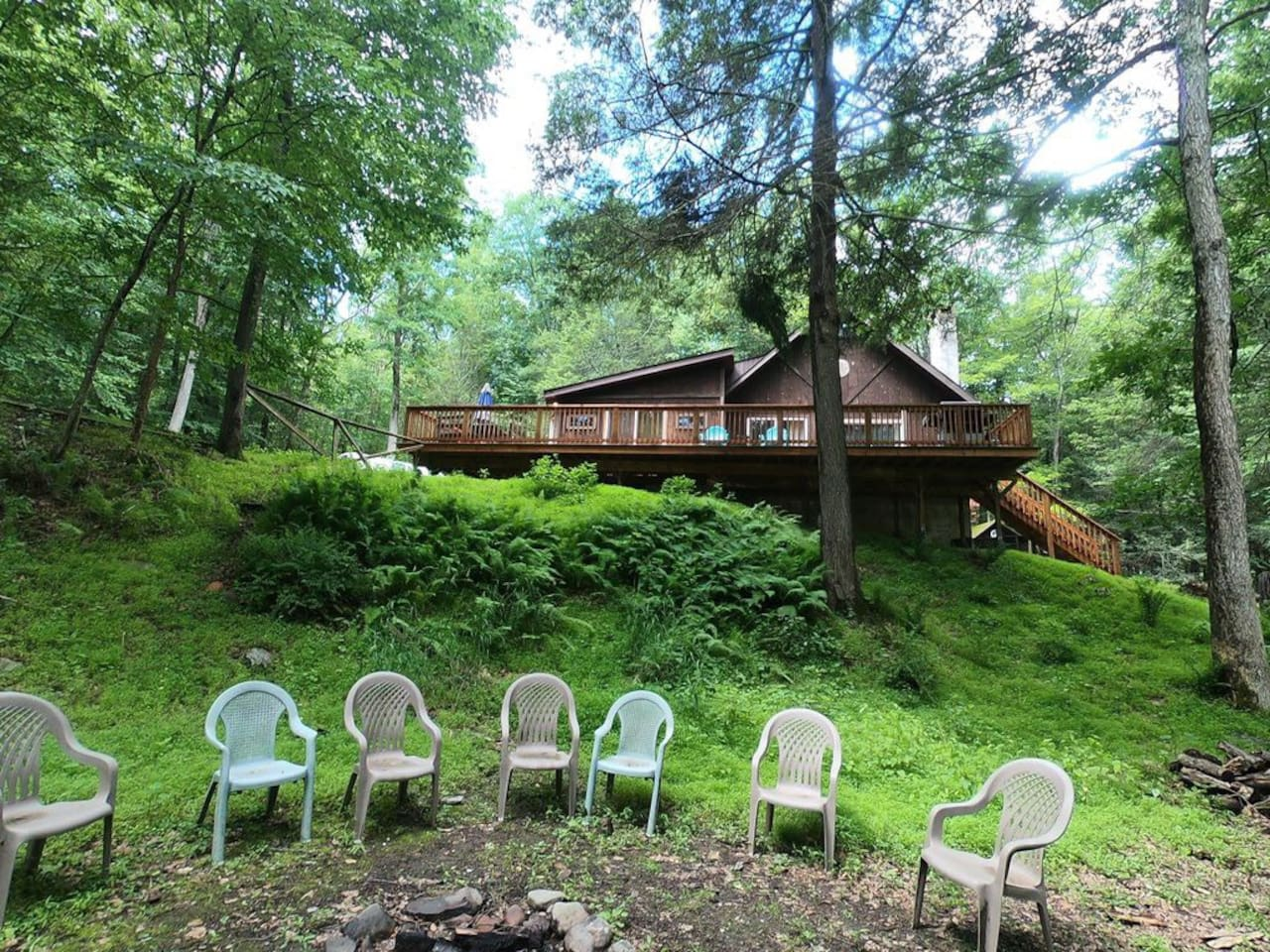 Enjoy pure privacy by the fire pit, with no noise restrictions at our secluded home.