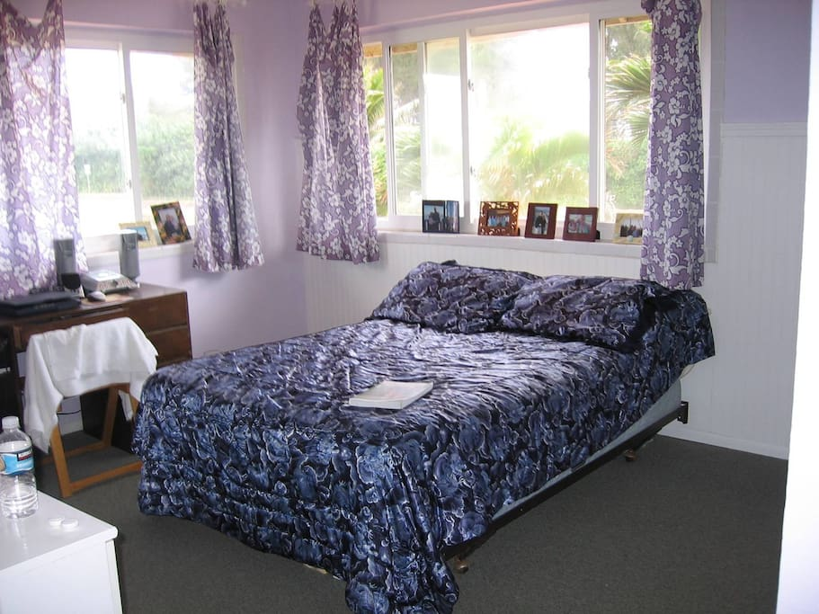 1 double bed plus twin bed and desk in this room