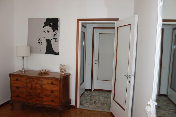 Cesarina's Home