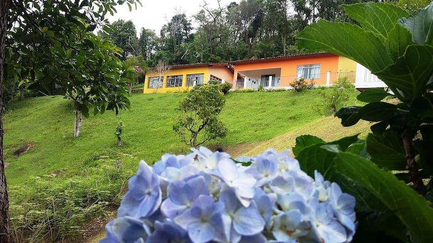 Casa de Campo na Serra-Extrema/Mg(Até 6 pessoas)