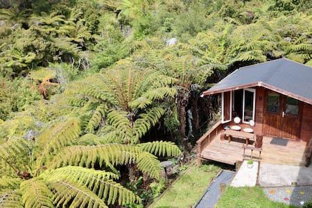 Cabin nestled in nature - North Shore / Auckland