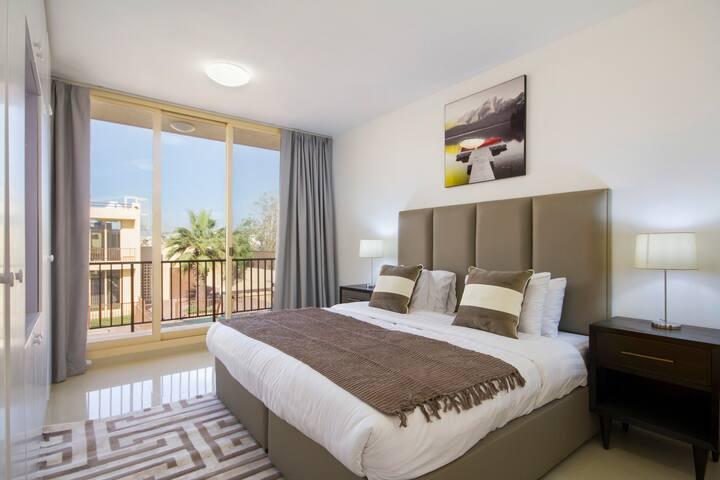 Bespoke Residences - 3 Bedroom Waikiki Townhouses