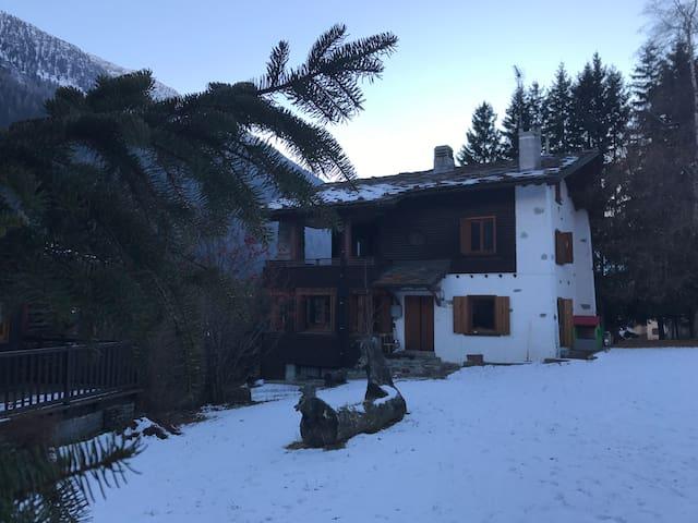 Villa a Champoluc - Champoluc - วิลล่า
