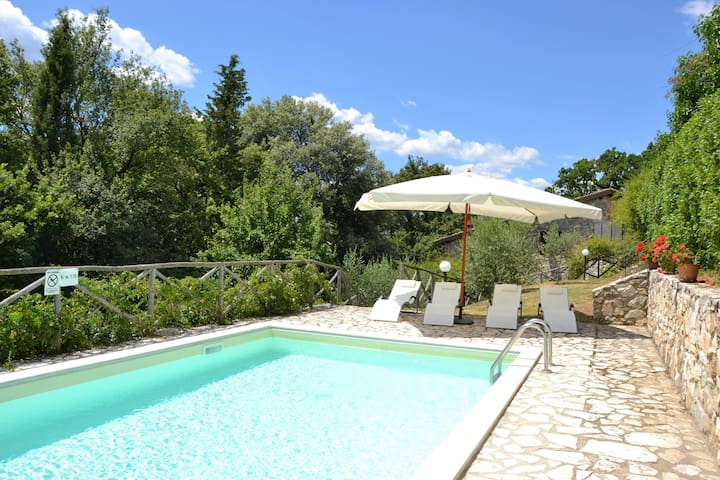 Romantic Villa with private pool and garden - Selvaccia - Appartement
