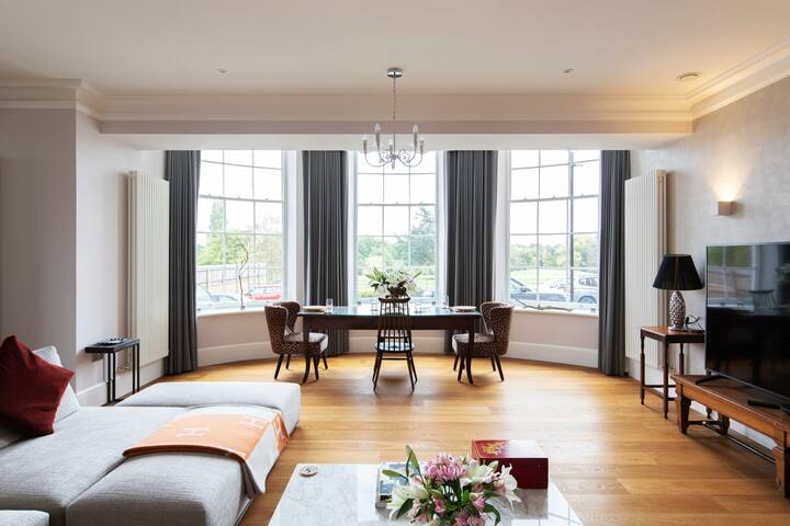 Welcome to Our Home. Splendor at Sundridge Park