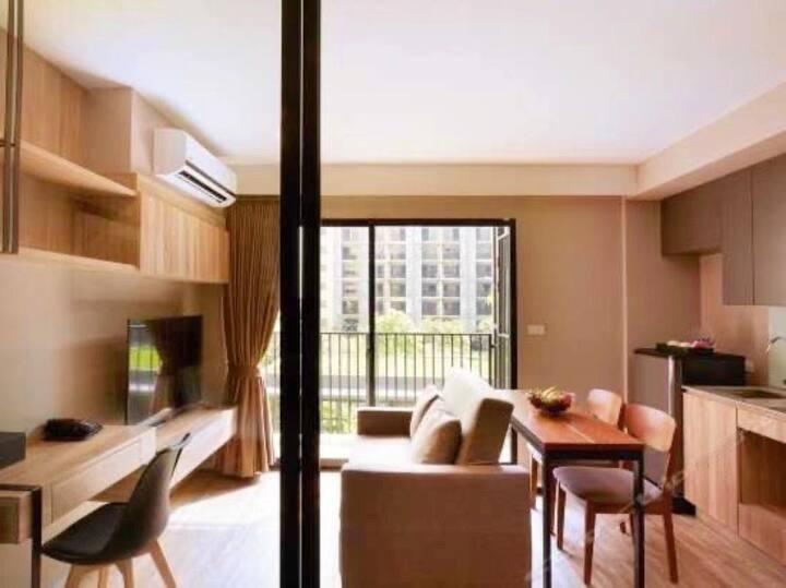 曼谷体验试公寓,精品一居,乳胶枕,免费花园泳池健身房,近摩天轮夜市/湄南河/暹罗四面佛/曼谷精心攻略