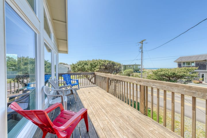 Beautiful oceanview home with 2 decks in tranquil Nedonna area - close to town