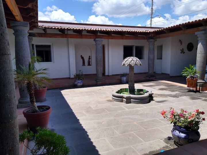 Casa tipo hacienda cerca del centro  de Tequis