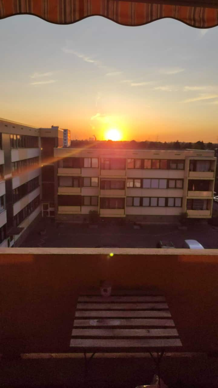 CHEAP FLAT WITH SUPER SUNSET VIEW