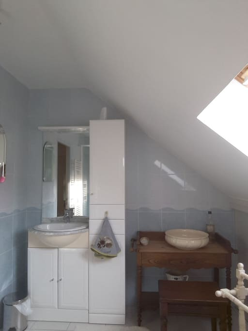 salle de bain coté lavabo