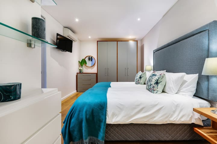 Third bedroom offers twin beds, cable TV and air conditioning. This bedroom also has an ensuite shower room.