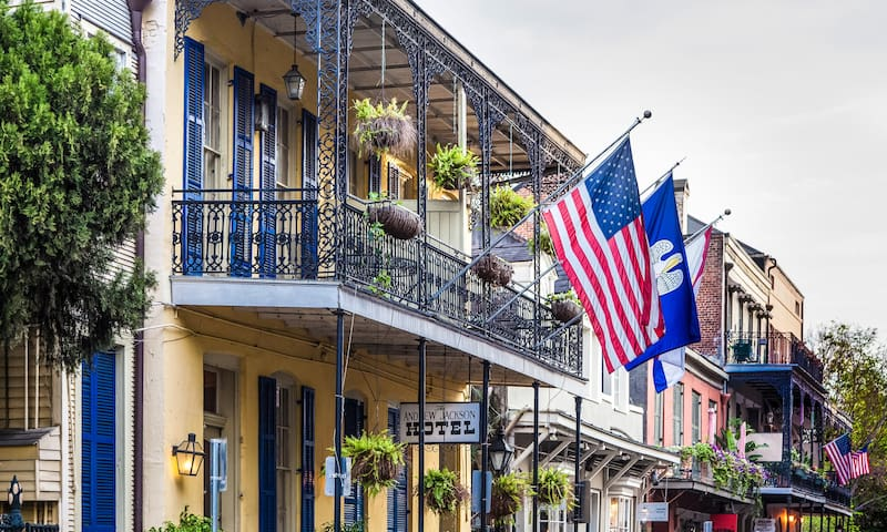 HAUNTED Hotel in the French Quarter - Cozy Queen