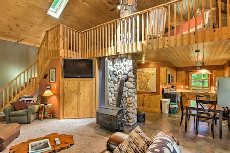 Trout Lake Cabin w/ Private Dock, Kayaks & Loft!