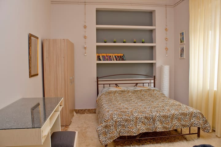 RENOVATED NEIGHBOHOOD HOUSE VOLOS - Volos - House
