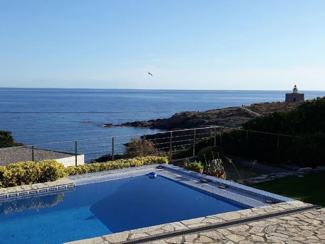 Magnifique Villa Front de mer, pieds dans l'eau