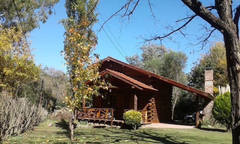 """CABAÑA  EN VILLA GENERAL BELGRANO """"Villa Natural"""""""