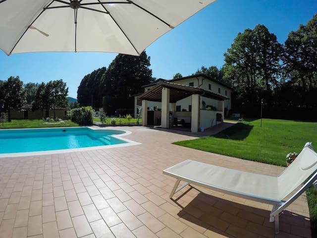 FLORA, app. colline di Lucca in Casale La Fata