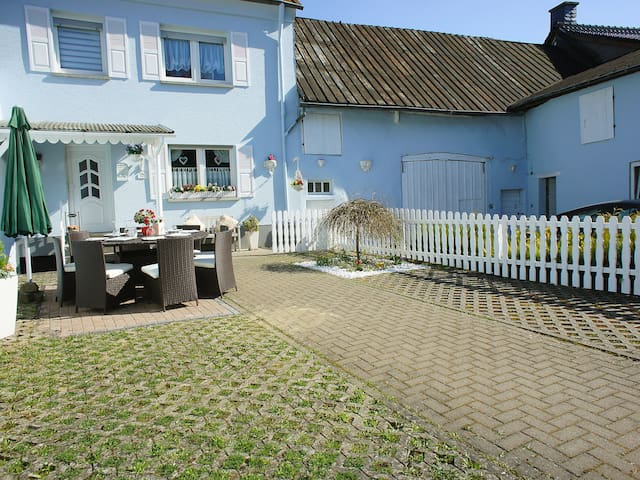 4-room house 100 m² Ferienhaus for 8 persons in Manderscheid - Manderscheid - Dům