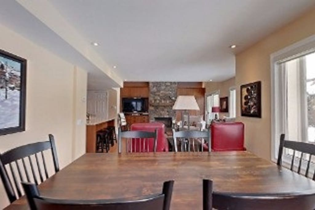 Dining area for 6 people , large and spacious